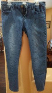 Super cute skinny jeans size 31 fit like a 13 to 15 $6 Forever 21