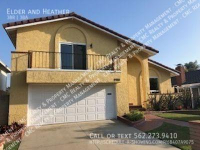 3/2.5 bath, 2 car garage, backyard home for rent