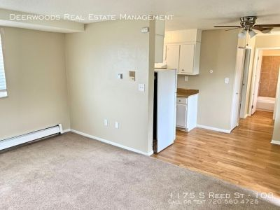 1 BR Apt - Free Wifi, Air Conditioning, & Enclosed Tenant Courtyard