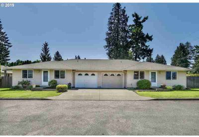 2254 NE 162nd Ave Portland, Perfect single level duplex