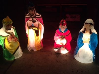 *** CHRISTMAS YARD DECOR *** Plastic Light Up 3 Wise men and Mary
