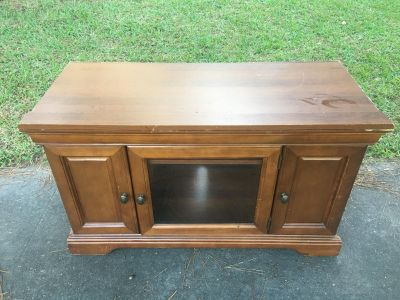 Tv stand $20 obo