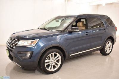 2016 Ford Explorer XLT (Blue Jeans Metallic)