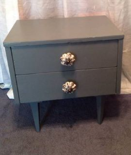 Mid century style 2 drawer nightstandend table