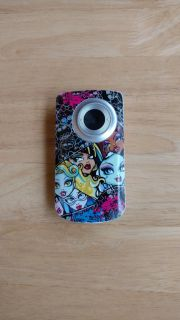 Monster High digital camera comes with batteries