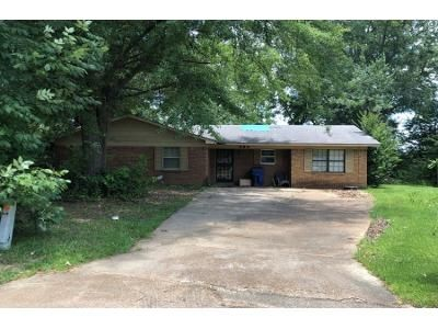 3 Bed Preforeclosure Property in Grenada, MS 38901 - Windsor Rd