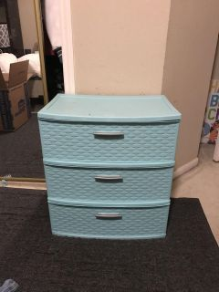 Steeliness 3-drawer Side Table, Like New, ASKING $20