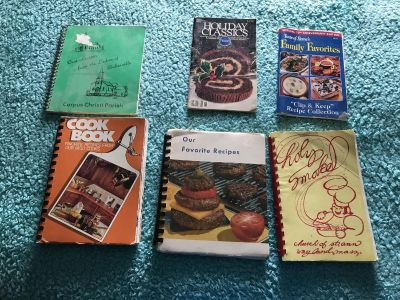 4 Church Cook books, 1 Pillsbury, & 1 Taste of home Recipe collection booklets