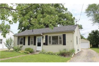 RARELY AVAILABLE 3 BED, 1 BATH RANCH HOUSE!