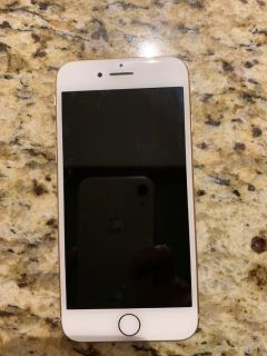 Rose Gold iPhone 8 in excellent condition