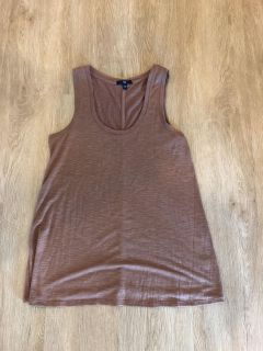 Gap XS brown with gold tank