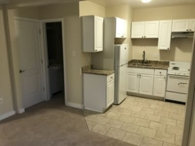Bethel Park Studio with Air and New Kitchen and Bath! Available Now!