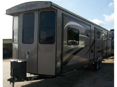 By Owner! 2014 40ft. Forest River Sandpiper 385FKBH