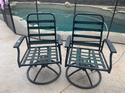 2 rocking patio chairs