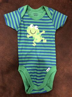 Gerber Frog Stripe Playsuit Onesie. Brand New! Perfect Condition. Size 0-3 Months