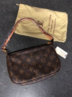 Very nice Louis Vuitton replica pochette