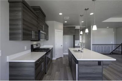 Gorgeous and Brand New Home ! Lots of storage - 3165 Ft