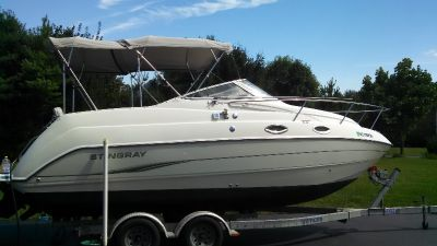 2005 Stingray 240 CS 85 Hours