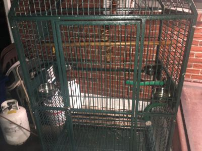 Bird cage with wheels