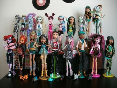 Looking for Monster High Dolls