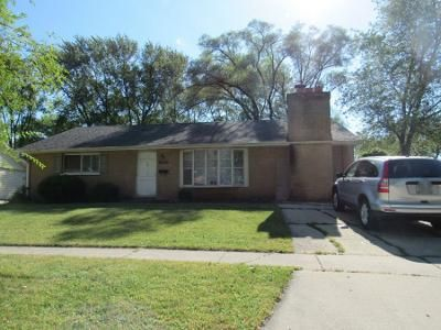 1.0 Bath Preforeclosure Property in Streamwood, IL 60107 - Oriole Dr