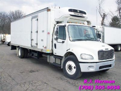 2012 Freightliner M2 26ft Refrigerated Straight Truck - (CDL)
