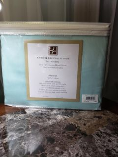 Teal full/queen duvet cover with shams