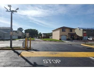 4 Bed 2 Bath Preforeclosure Property in Homestead, FL 33032 - SW 271st St