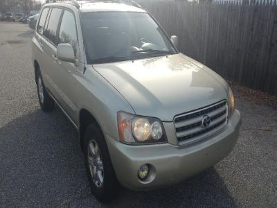 2003 Toyota Highlander Base (Vintage Gold Metallic)