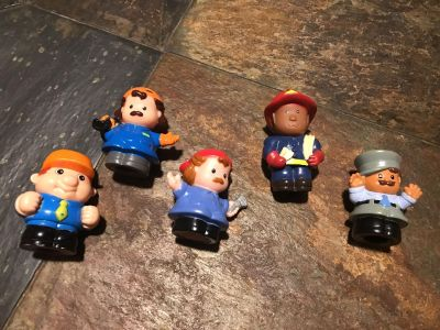 5 fisher price little people