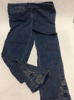 Women s JH Collectibles Ankle Jean Size 8 Embroidered Hem with bling