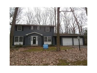 4 Bed 3 Bath Foreclosure Property in Pittsford, NY 14534 - Burr Oak Dr