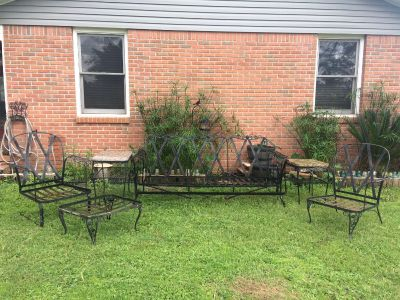 *Offers accepted Vintage Woodard Wrought Iron Patio Set