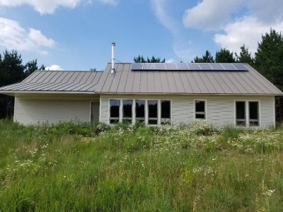 RESOURCE EFFICIENT HOME WITH SOLAR