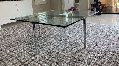 Square glass coffee/cocktail table