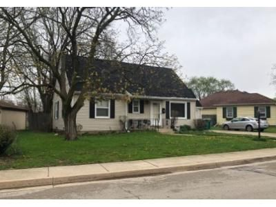 4 Bed 1.5 Bath Foreclosure Property in Joliet, IL 60435 - Stratford Ct