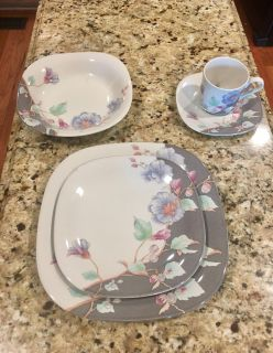 MIKASA TEMPO EIGHTY FLORAL ESCLIPSE CHINA all still on boxes and never used in boxes as shown 8 - 5 piece place settings !