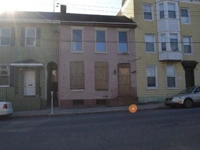 2 Bed 2 Bath Foreclosure Property in Chambersburg, PA 17201 - W Queen St