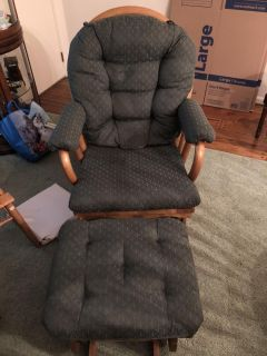 High quality glider with ottoman