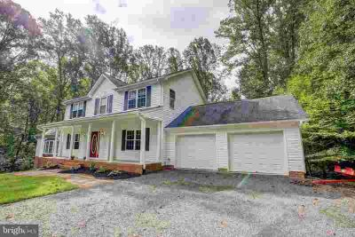 120 Walnut Cove Dr LUSBY Five BR, This home has it ALL!