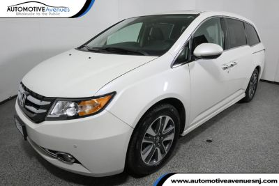 2016 Honda Odyssey (White Diamond Pearl)