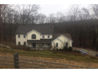 4 Bed 3 Bath Preforeclosure Property in Newtown, CT 06470 - East Marlin Road