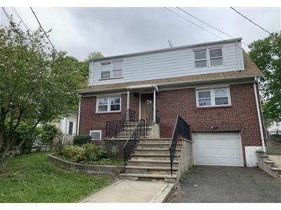 4 Bed 2 Bath Foreclosure Property in Teaneck, NJ 07666 - Willow St