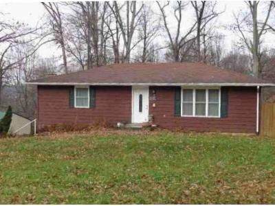 3 Bed 1 Bath Foreclosure Property in North Vernon, IN 47265 - W Hickory Hill Dr