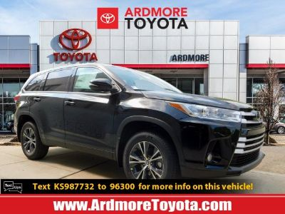 2019 Toyota Highlander (Midnight Black Metallic)