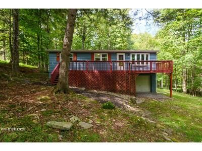 4 Bed 2 Bath Foreclosure Property in Greentown, PA 18426 - Fawnwood Cir