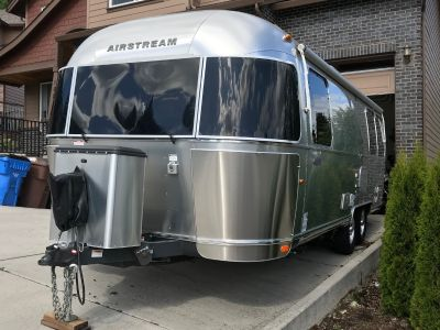 2015 Airstream FLYING CLOUD 25FB QUEEN