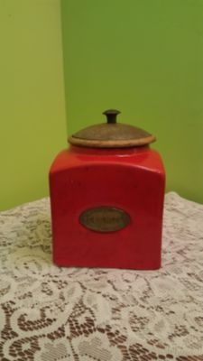 Ceramic red cookie jar with wooden lid
