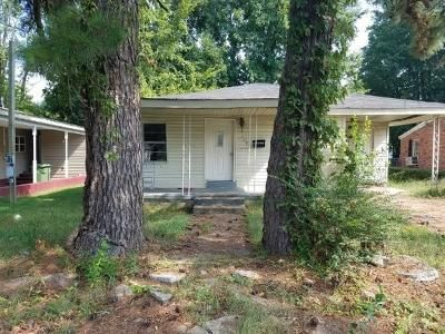3 Bed 1 Bath Foreclosure Property in Humboldt, TN 38343 - Maple St