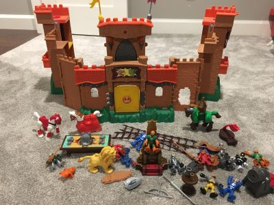 Imaginex Castle with accessories